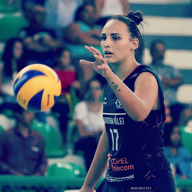 Superliga feminina: Jogos das quartas-de-final começam nesta segunda-feira (18). Foto: @isabelapaquiardi