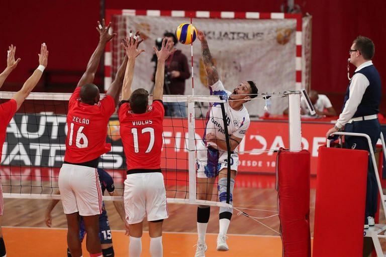 Willian Reffatti, atleta ProSports, joga final do Campeonato Nacional do Chipre de voleibol. Foto: Divulgação